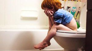علت اسهال کودکان چیست ؟ روش های تشخیص و درمان اسهال در کودکان و نوزادان